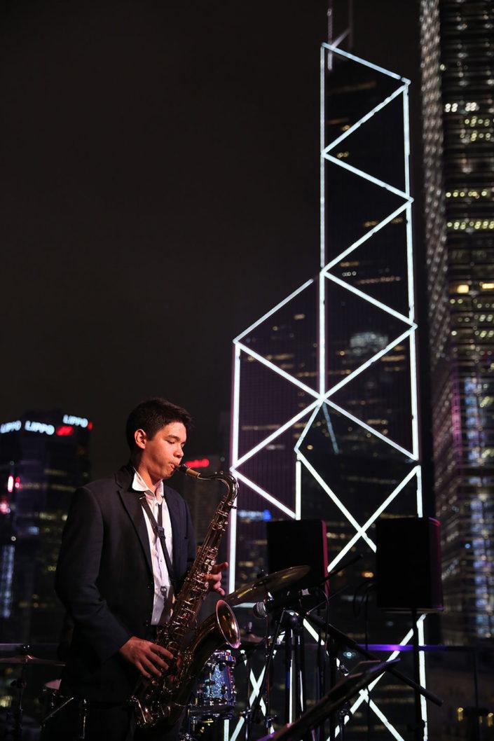 Raf Mirafuente Extrapolation in HK